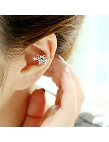Cercel ear cuff steluta mica decorata cu cristale albe