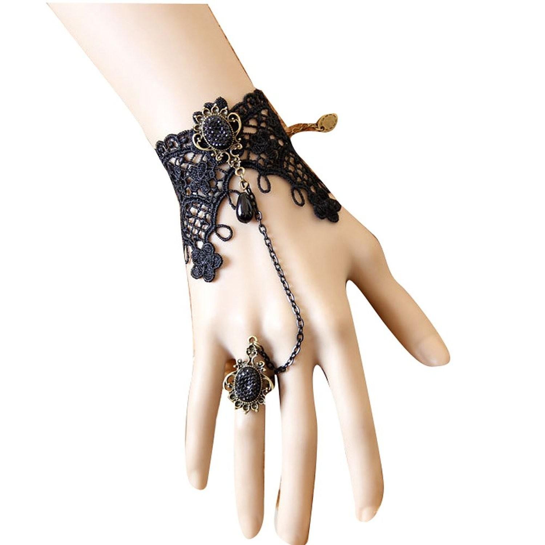 Bratara din dantela neaga cu medalion si inel cu cristale negre