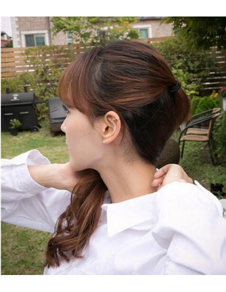 Cercel ear cuff, model cu triunghi, foarte mic si delicat