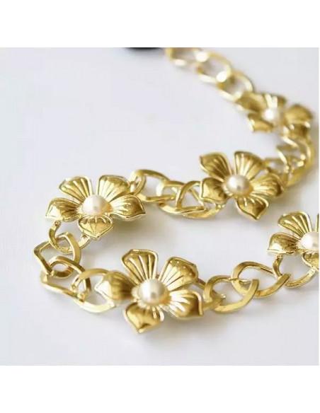 Bentita pentru par cu flori, perle si zale metalice