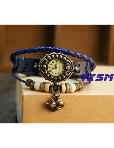 Ceas vintage, ceas unicat, ceas curea din piele, cadran oval inflorat si lucky charm pisicuta