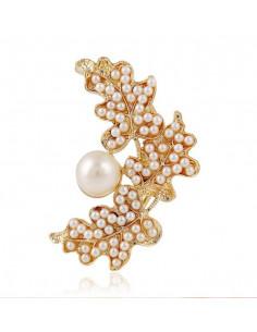 Cercel ear cuff statement, cu perle mari albe si cristale