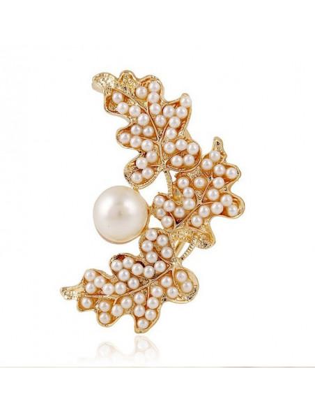 Cercel ear cuff statement, cu multe perle asezate pe frunze aurii