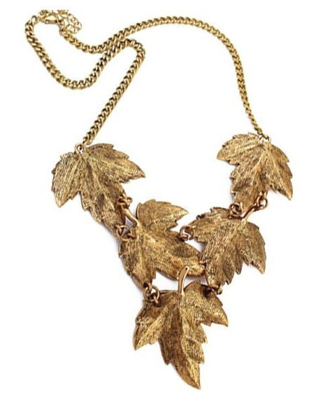 Colier statement auriu patinat, model cu frunze de artar si cristale rosii