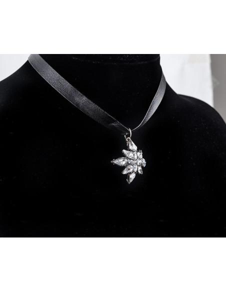 Colier choker din imitatie de piele neagra, cu medalion Stea cu cristale