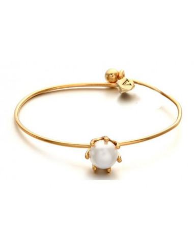 Bratara minimal aurie cu perla si o piatra mica initiala V