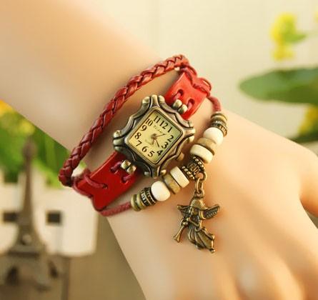 Ceas vintage, ceas unicat, ceas curea din piele, cadran patrat si lucky charm ingeras