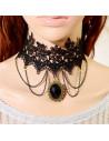 Colier choker din dantela neagra, cu lantisoare si trei cristale negre