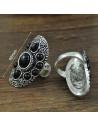 Inel argintiu patinat, lat, cu pietre negre