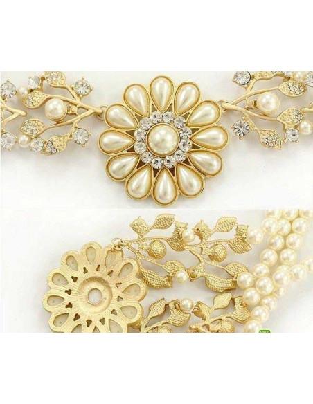 Colier auriu cu perle si floare mare cu frunze si cristale