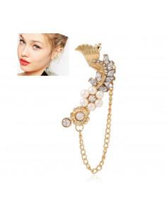 Cercel ear cuff, model statement cu perle, cristale, flori si aripa