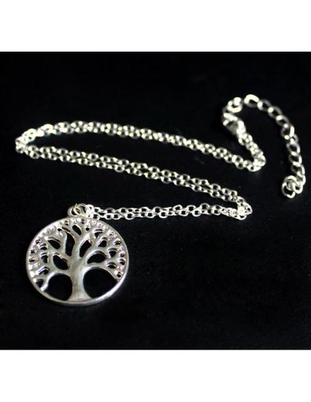 Lantisor subtire argintiu cu medalion Copacul vietii