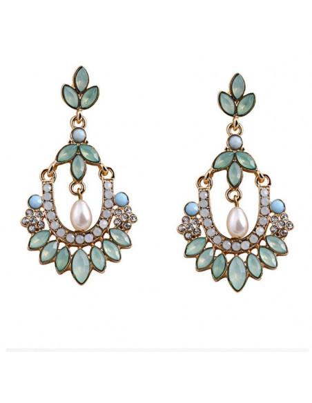 Cercei eleganti cu flori si cristale albe si verde deschis