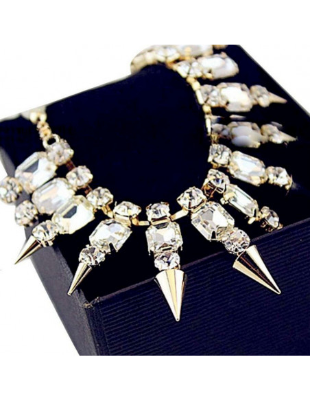 Colier statement auriu cu cristale albe si tepi