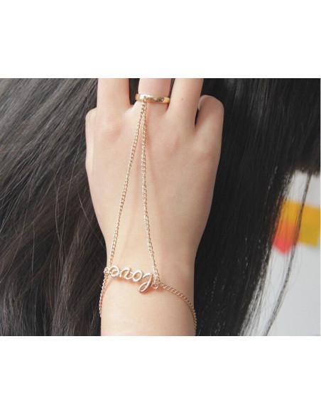 Bratara arabeasca cu inel si LOVE la incheietura