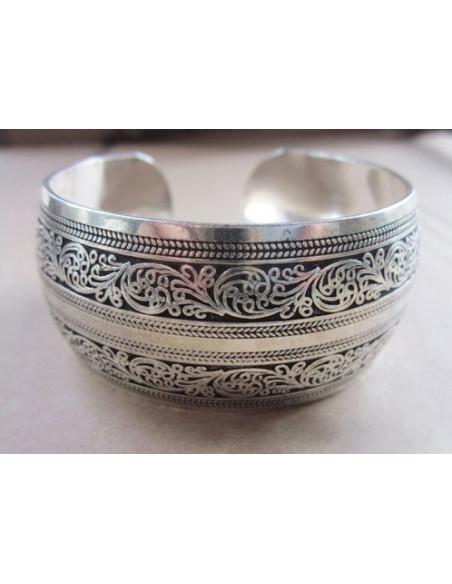 Bratara vintage metalica argintie forma convexa cu flori