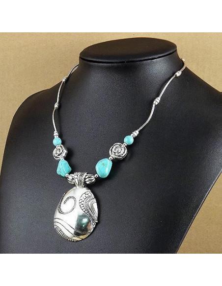 Lant argintiu model indian cu pietre howlit, trandafiri si medalion oval