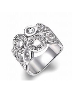 Inel lat argintiu, model cu cercuri si cristale albe
