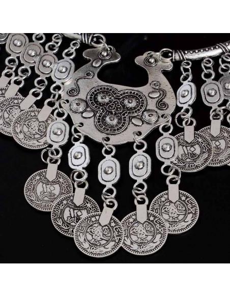 Set de inspiratie indiana, cu medalion etnic si banuti