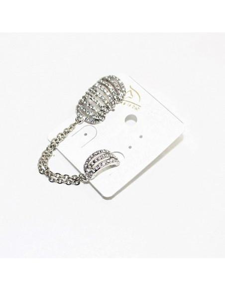 Cercei tip ear cuff, doua seturi de inele cu cristale albe prinse cu lantisor