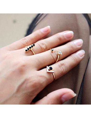 Set trei inele subtiri, cu cristale albe si negre