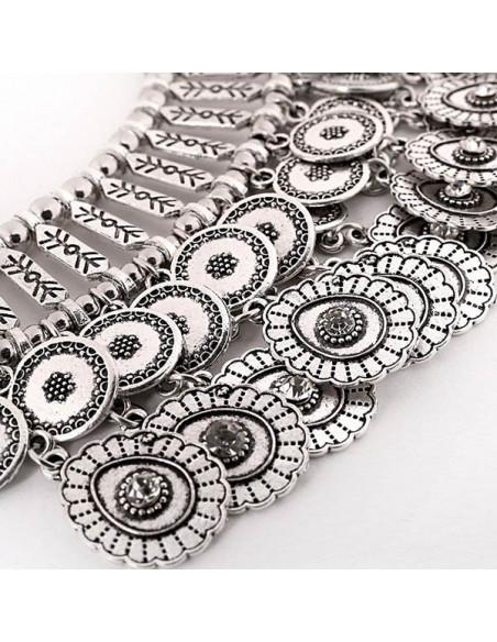 Colier indian lat, cu doua randuri de medalioane florale si cristale