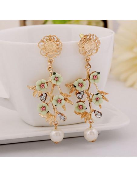 Cercei model baroc, ramurele cu flori, cristale si perla