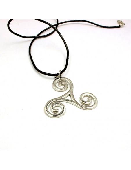 Snur negru cu medalion Triskelion
